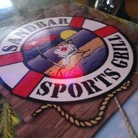 10/6/2013にDave L.がSandbar Sports Grillで撮った写真