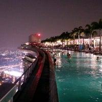9/24/2012 tarihinde Nek O.ziyaretçi tarafından Rooftop Infinity Pool'de çekilen fotoğraf