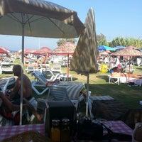 Foto diambil di İncir Beach oleh Önder A. pada 8/15/2013
