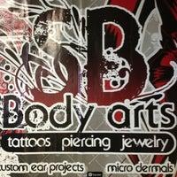 Foto scattata a SB Body Arts da stephanie m. il 1/17/2013