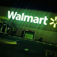 Foto tomada en Walmart por Andrés A. el 4/23/2012