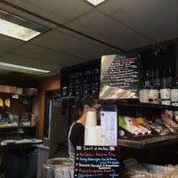 Foto scattata a Bella Rosa Coffeehouse da Zoe il 7/29/2017