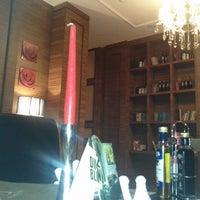 1/17/2013 tarihinde Adil B.ziyaretçi tarafından Shisha Lounge Habibi'de çekilen fotoğraf