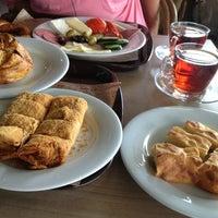 Das Foto wurde bei Simit Sarayı von Berna Y. am 9/1/2013 aufgenommen