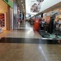 Foto tirada no(a) Balneário Shopping por Mity M. em 12/18/2012