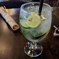Foto diambil di Inwood Bar and Grill oleh Adell pada 7/1/2018