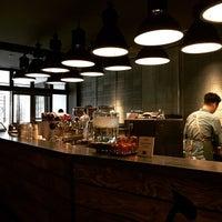 Das Foto wurde bei The Roastery by Nozy Coffee von Masayoshi T. am 3/10/2015 aufgenommen