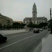 Foto tirada no(a) Avenida dos Aliados por Shalmai em 2/1/2013