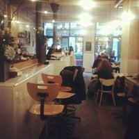 รูปภาพถ่ายที่ Coutume Café โดย 小草 豬. เมื่อ 11/30/2012