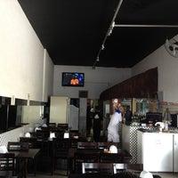 Foto tirada no(a) Bar do Zinho por Eduardo V. em 2/3/2013