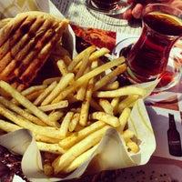 Das Foto wurde bei Seven Pub & Bistro von Ankara M. am 3/4/2013 aufgenommen