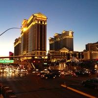 3/24/2013에 Katiusha💋💓 S.님이 Caesars Palace Hotel & Casino에서 찍은 사진