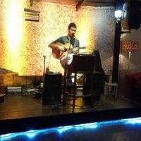 2/22/2013 tarihinde Umur Özöğütziyaretçi tarafından Cafe de mola'de çekilen fotoğraf