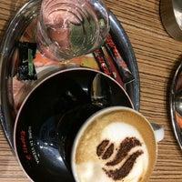 Foto tirada no(a) Coffeeshop Company II por Marine G. em 10/31/2017