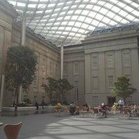 Foto tirada no(a) National Portrait Gallery por Ana Paula S. em 3/20/2013