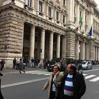 Das Foto wurde bei La Rinascente von Stefano D. am 4/1/2013 aufgenommen
