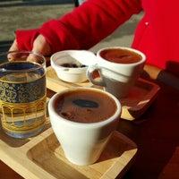 Das Foto wurde bei Just One Coffee von Ulaş A. am 1/31/2016 aufgenommen