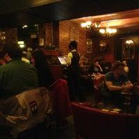 Das Foto wurde bei Hurley's Irish Pub von Francis O. am 3/24/2013 aufgenommen