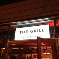 Photo prise au The Grill on New York Street par Ricky L. le1/21/2013