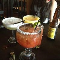 Снимок сделан в Tequilas Cantina and Grill пользователем Danae H. 3/24/2013