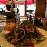 รูปภาพถ่ายที่ Lunch-Café Le Provence โดย Jolie Y. เมื่อ 1/23/2013