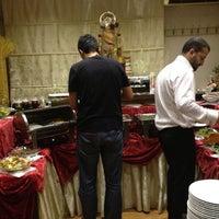 Foto diambil di La Vraie Ambiance Cafe & Restaurant oleh Nilay G. pada 7/9/2013