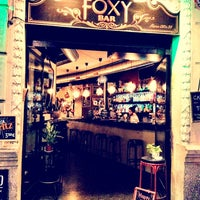 Photo prise au Foxy Bar par Sofia D. le10/3/2013
