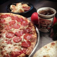 4/14/2013にPomodoro Pizza PastaがPomodoro Expressで撮った写真