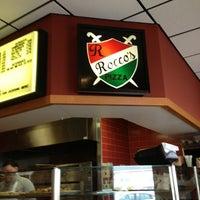รูปภาพถ่ายที่ Rocco's Pizza & Italian Restaurant โดย Richie G. เมื่อ 1/30/2013