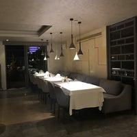 Photo prise au Seraf Restaurant par Feyyaz Bartin le8/18/2019