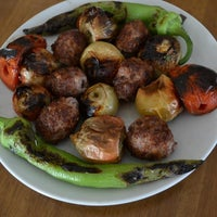 Das Foto wurde bei Çulcuoğlu Restaurant von Çulcuoğlu Restaurant am 10/25/2014 aufgenommen