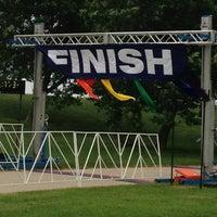 รูปภาพถ่ายที่ Proud to Run โดย Katherine S. เมื่อ 6/29/2013
