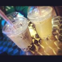 Снимок сделан в Tea Leaf Cafe пользователем Anna S. 2/25/2013