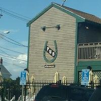 Foto tirada no(a) Horseshoe Pub & Restaurant por Danielle L. em 7/3/2013