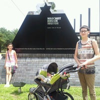 Foto scattata a Holocaust Museum Houston da Val R. il 6/20/2013