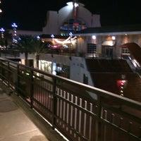 Снимок сделан в Pointe Orlando пользователем Alberto N. 12/15/2013