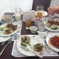 Снимок сделан в Restaurante Humberto's пользователем Emilio A. 7/25/2013