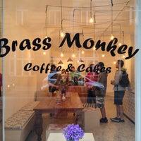 Foto tomada en Brass Monkey por Apostolos P. el 4/27/2013