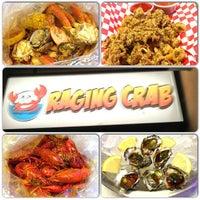 Снимок сделан в Raging Crab пользователем Tancho S. 3/1/2013