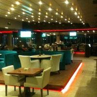 รูปภาพถ่ายที่ Mihver Cafe & Nargile โดย SEDAT KARAYILAN S. เมื่อ 2/27/2013