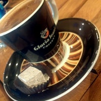 10/26/2013 tarihinde Yasir C.ziyaretçi tarafından Gloria Jean's Coffees'de çekilen fotoğraf