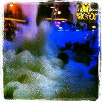 7/19/2013에 Erkan E.님이 Club Inferno에서 찍은 사진