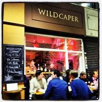 Das Foto wurde bei Wild Caper von Alex H. am 9/20/2012 aufgenommen