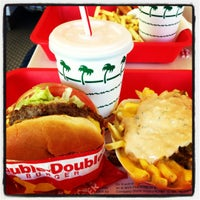 Foto scattata a In-N-Out Burger da Christopher A. il 11/10/2012