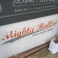 รูปภาพถ่ายที่ Mighty Balls โดย Ryan G. เมื่อ 6/5/2014