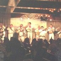 รูปภาพถ่ายที่ Casa Sanchez โดย Chris L. เมื่อ 2/23/2013