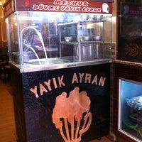 Foto tomada en Zagros Restaurant por Erika D. el 10/19/2012