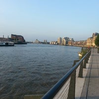 Foto diambil di The Waterfront oleh Angela S. pada 7/13/2013