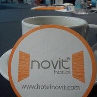 Foto tomada en Hotel Novit por Dul F. el 2/23/2013