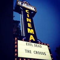 Снимок сделан в St. Johns Twin Cinema and Pub пользователем R.c. M. 4/10/2013